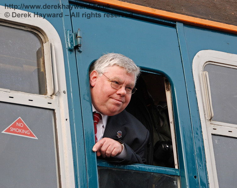 Gavin Bennett, General Secretary, BRPS aboard 3417 at East Grinstead.  17.01.2009  68