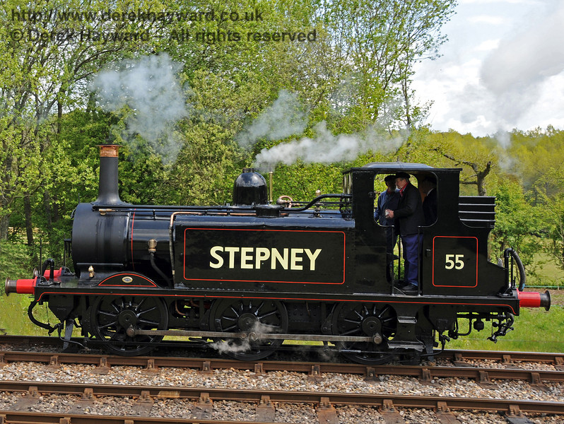55 Stepney runs round at Kingscote. 17.05.2010  2601