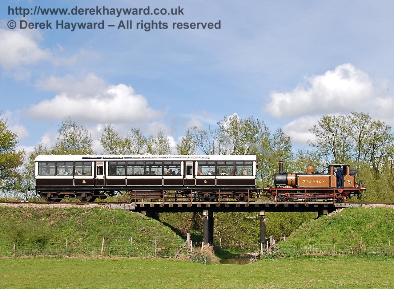 55 Stepney crosses Poleay Bridge with the Observation Car. 01.05.2008