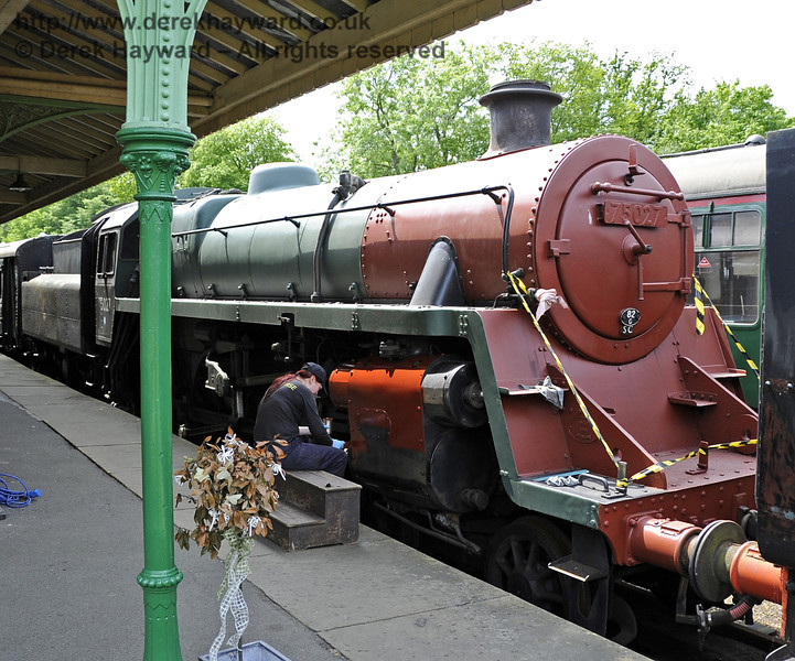 75027 being repainted at Horsted Keynes.  30.05.2012  4934