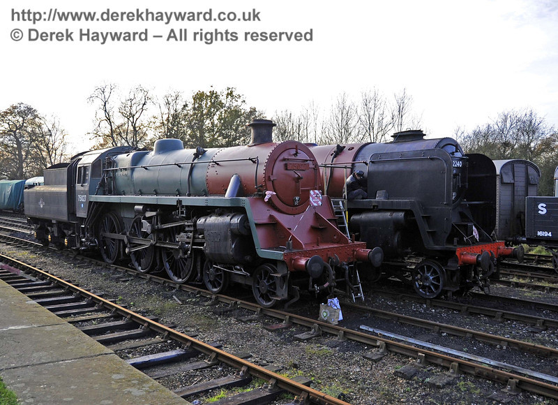 Progress on the painting of 75027 and 92240. Horsted Keynes 24.11.2011  3131