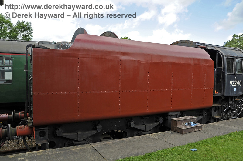 92240 being repainted at Horsted Keynes.  16.06.2012  5109