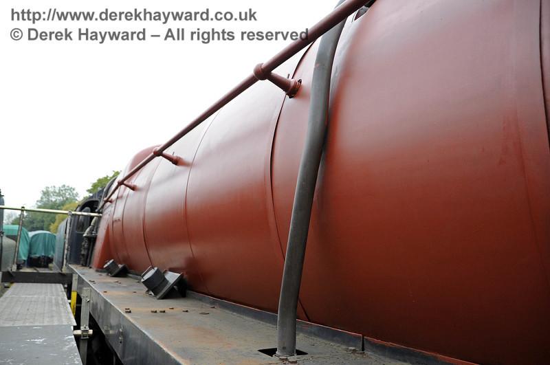 92240 in red oxide. Horsted Keynes 21.10.2011  3005