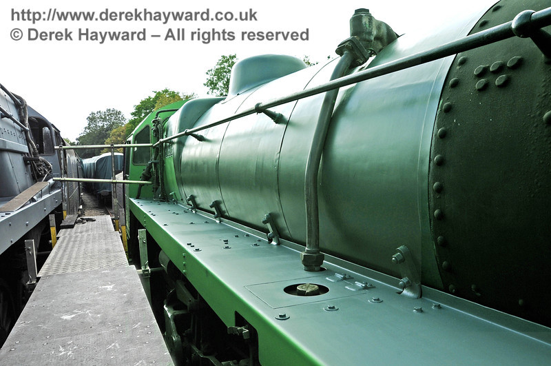 75027 in green undercoat at Horsted Keynes.  24.09.2011  2953