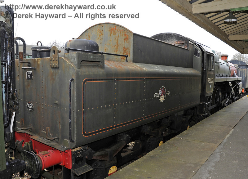 75027 is currently alongside Platform 1  21.02.2012  3681