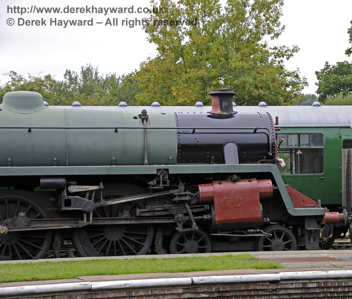 75027 with part of the smokebox in top coat.   Horsted Keynes.  22.09.2012  9756