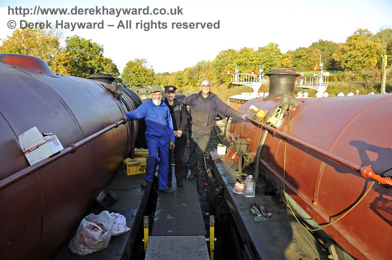 Dave Martin, Michelle Barton and Matthew Cousins, who have been painting 92240 and 75027. Horsted Keynes 01.11.2011  3094
