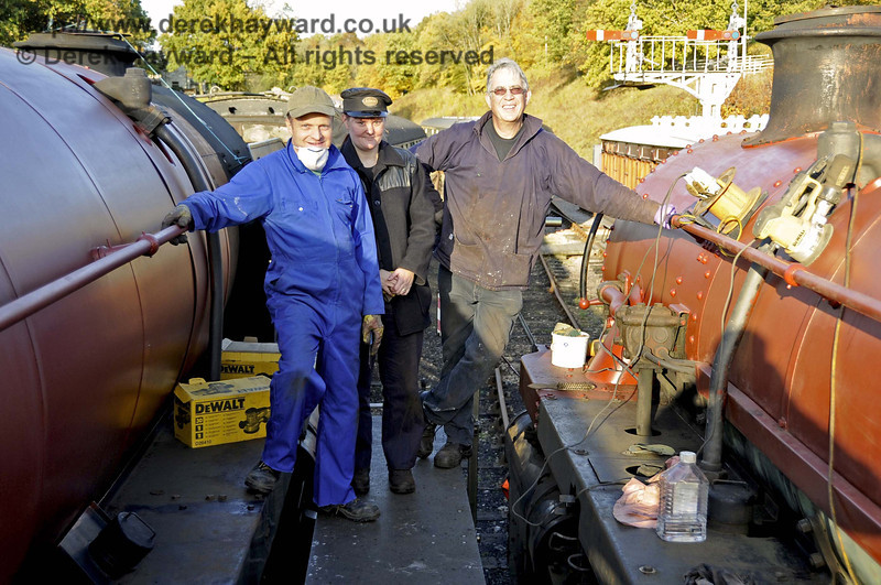 Dave Martin, Michelle Barton and Matthew Cousins, who have been painting 92240 and 75027. Horsted Keynes 01.11.2011  3096