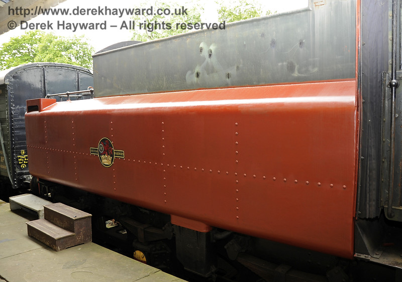 75027 being repainted at Horsted Keynes.  23.06.2012  5392
