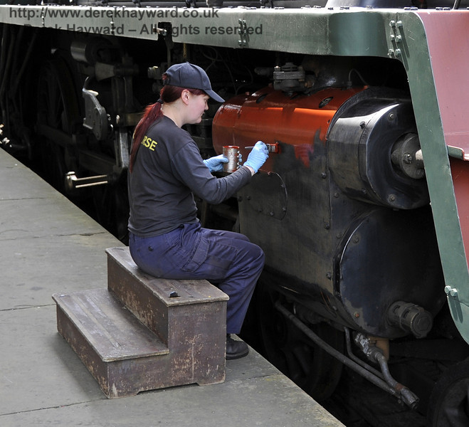 75027 being repainted at Horsted Keynes.  30.05.2012  4929