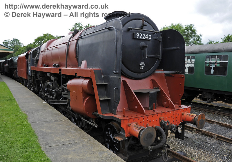 92240 being repainted at Horsted Keynes.  23.06.2012  5389