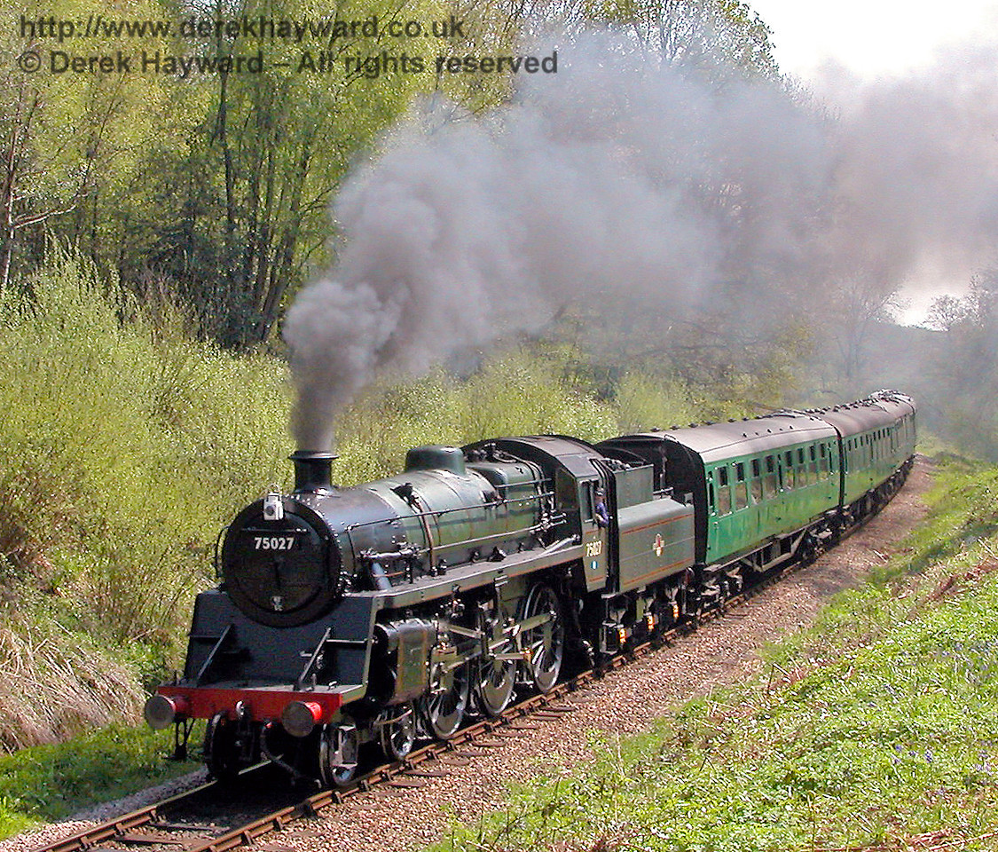 75027 passes through Lindfield Wood. 04.05.2006
