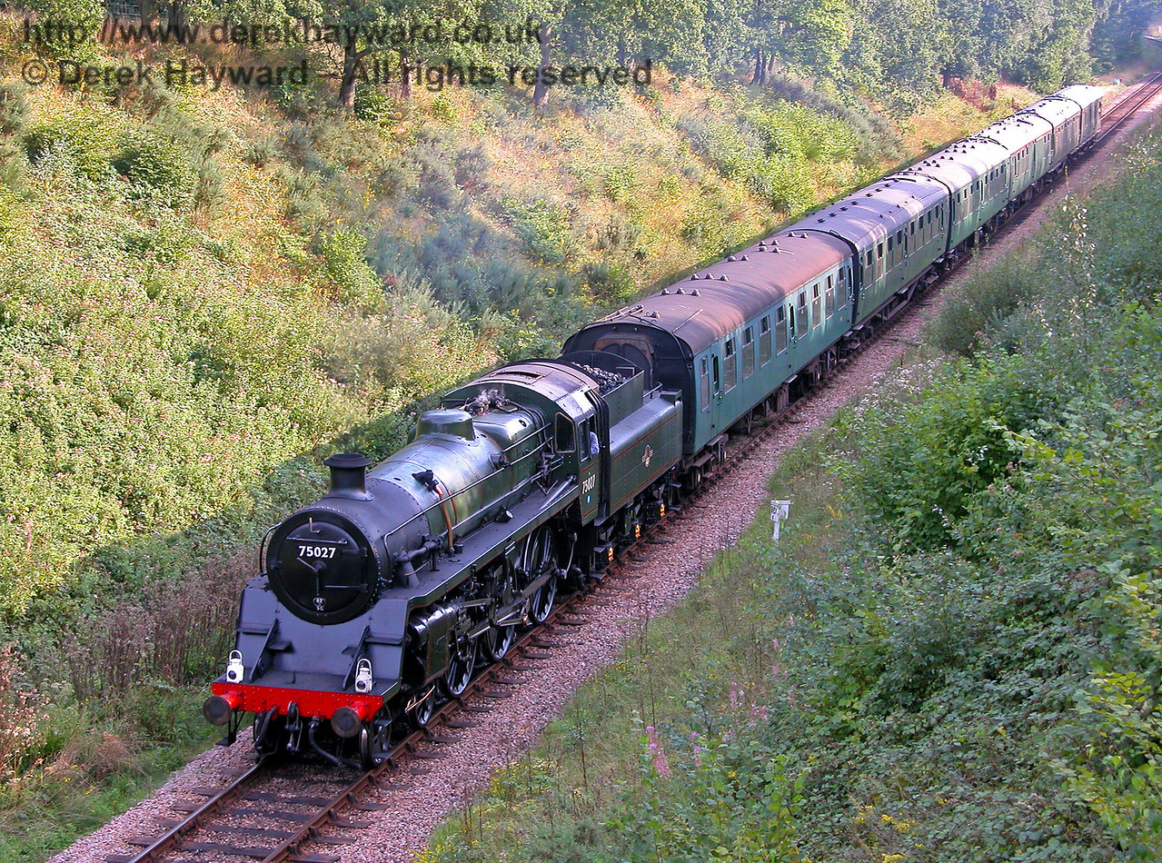 75027 appraoched Three Arch Bridge in the evening light on 04.09.2005