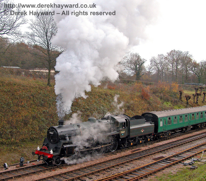 75027 leaves Horsted Keynes with a Santa Special. 02.12.2006