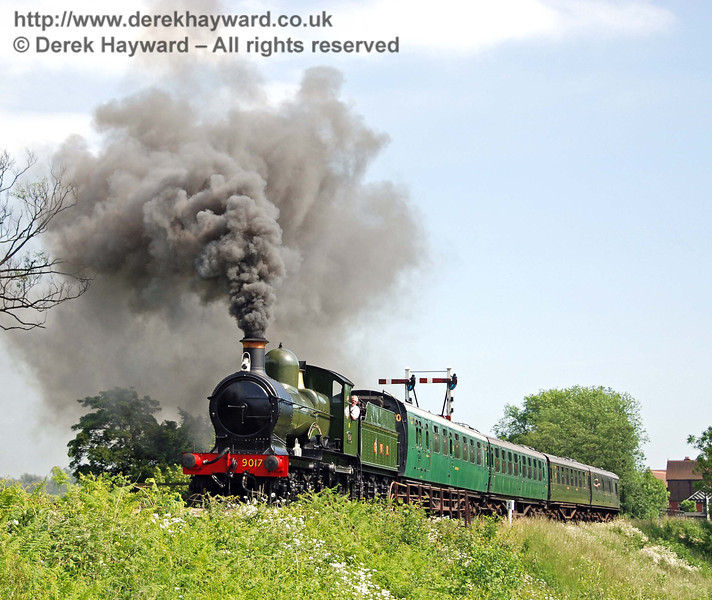 Should steam be that colour? 9017 Earl of Berkeley climbs towards Ketches Halt. 02.06.2007