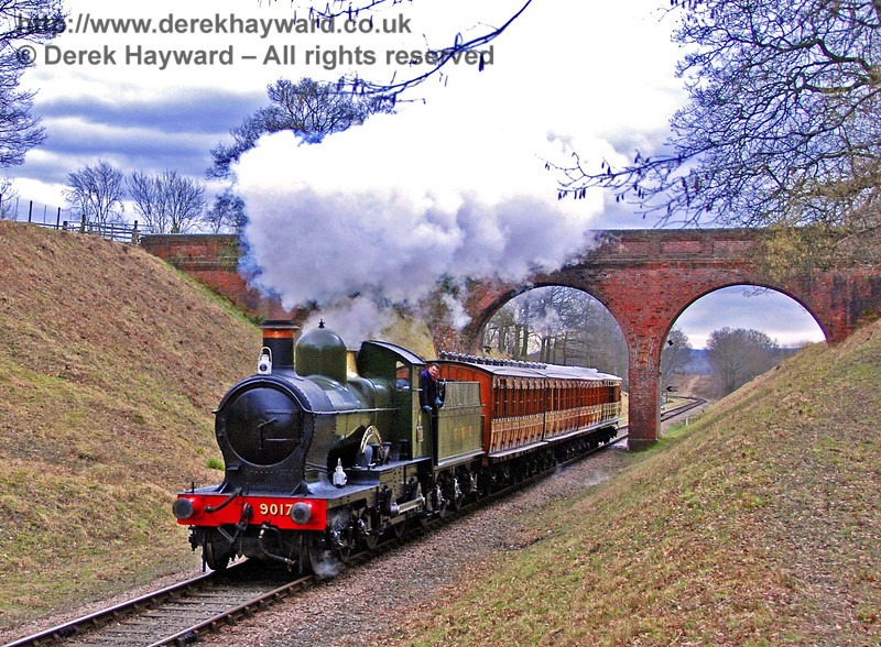 9017 Earl of Berkeley passes through Three Arch Bridge with the Victorian coaches. 22.02.2009