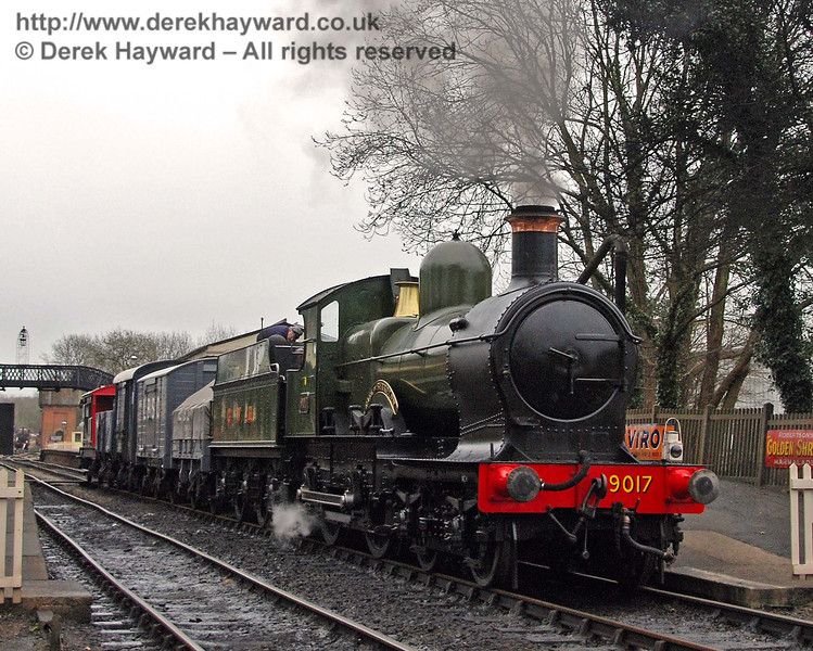 9017 Earl of Berkeley waits to leave Sheffield Park with a goods train. 29.03.2008