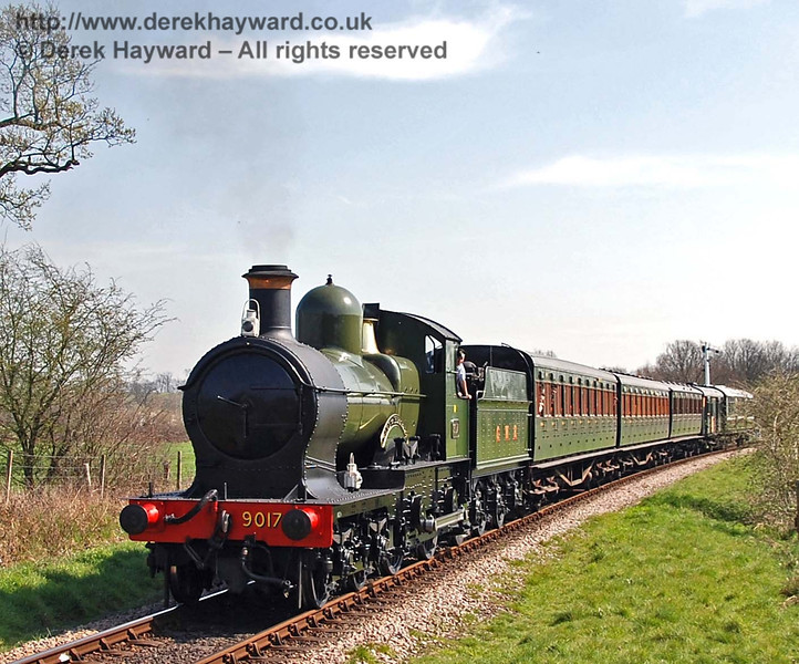 9017 Earl of Berkeley steams north from Sheffield Park. 08.04.2007