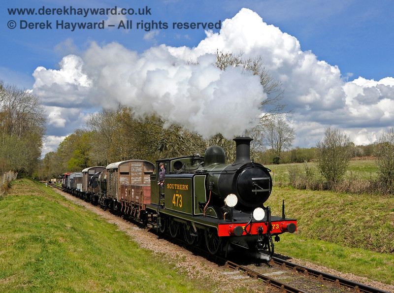 B473 steams south from Ketches Halt with a goods train. 30.04.2016 14948