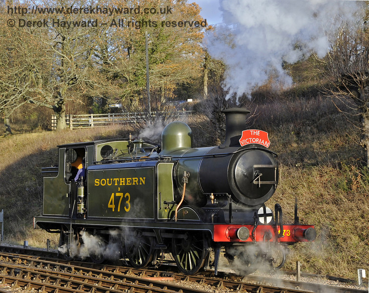 B473 runs round at Horsted Keynes whilst operating a Victorian Christmas train.  22.12.2011  3387