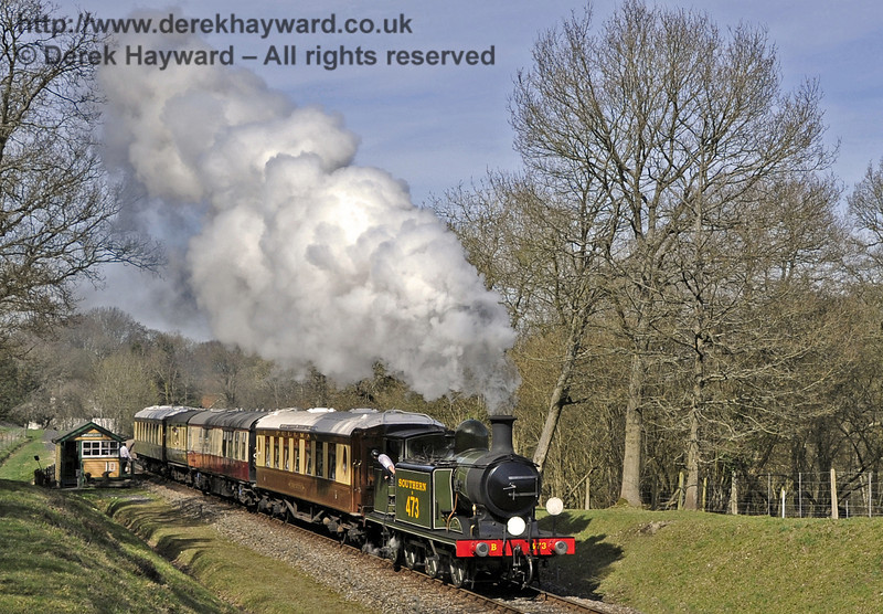 B473 leaves Kingscote with the Pullman.  25.03.2012  4001