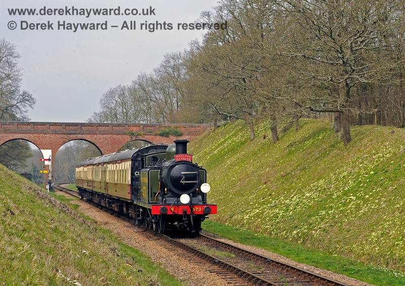 B473 steams south from Three Arch Bridge with the Wealden Rambler. 10.04.2015 10688