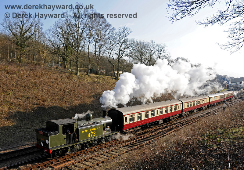 B473 departs from Horsted Keynes with the Wealden Rambler. 14.03.2015 12064