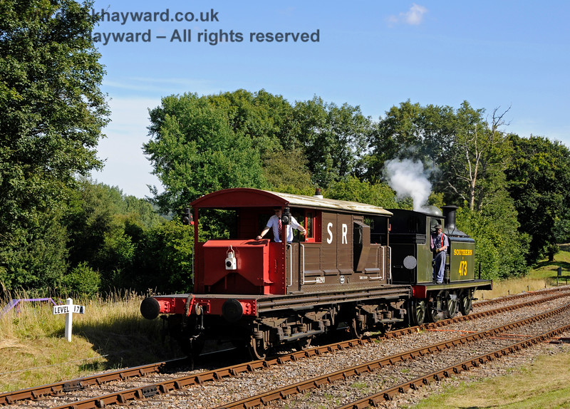 B473 shunts a goods train at Kingscote. 01.08.2015 13433