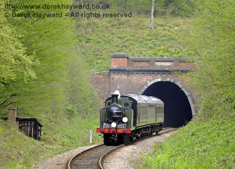 B473 emerges from the southern portal of West Hoathly tunnel.  14.04.2011  0696