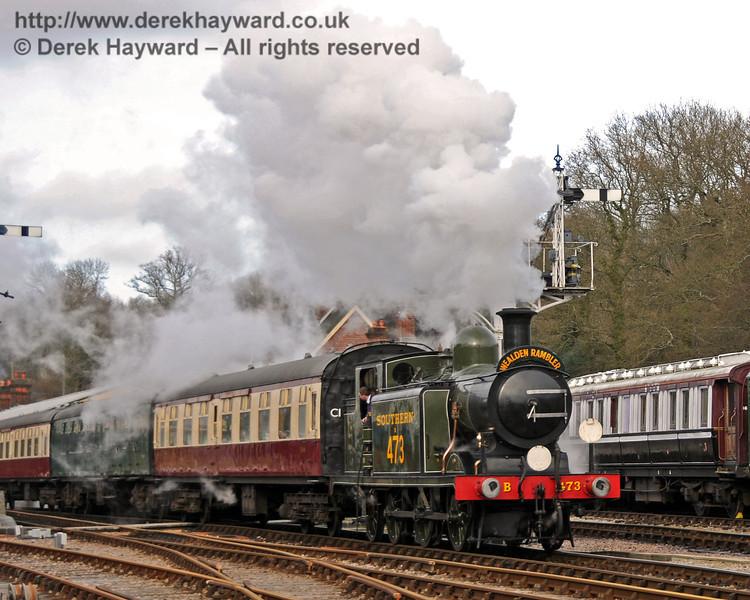 B473 leaves Horsted Keynes with the Wealden Rambler.  27.02.2010  0920