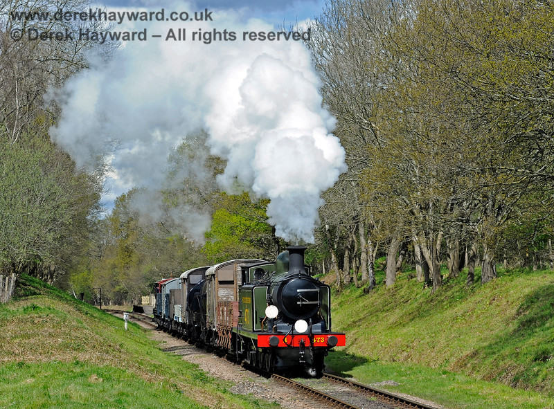 B473 steams south from Ketches Halt with a goods train. 30.04.2016 12875