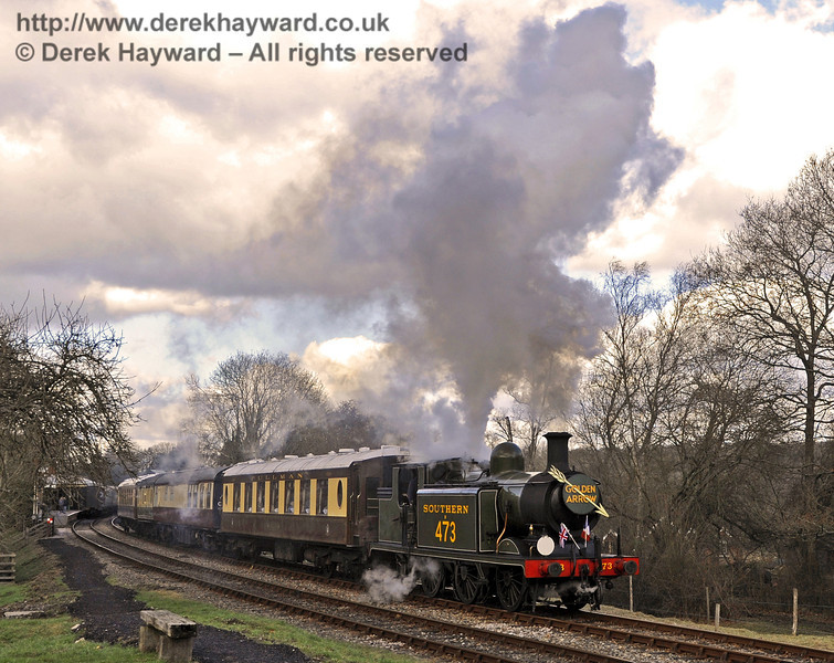 B473 leaves Kingscote with the Golden Arrow.  19.02.2012  3563