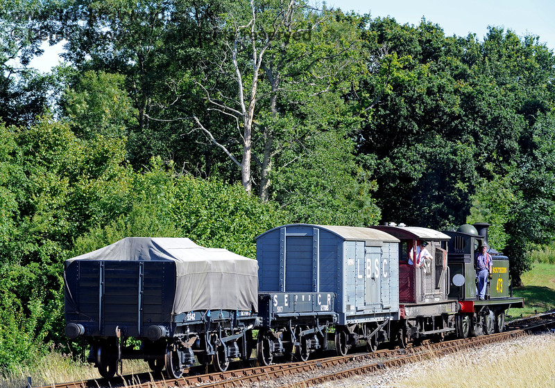 B473 shunts a goods train at Kingscote. 01.08.2015 11756