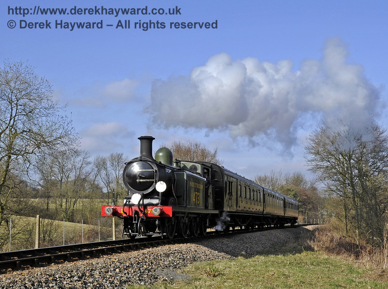 B473 approaches New Coombe Bridge.  10.03.2012  3745