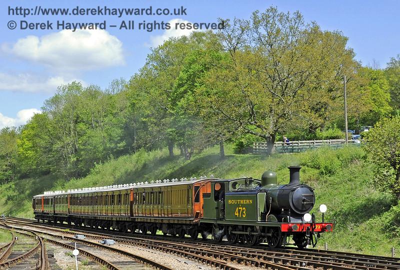 B473 arrives at Horsted Keynes with a southbound service.  12.05.2012  4552
