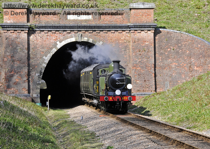 B473 emerges from the southern portal of West Hoathly Tunnel.  06.04.2012  4306