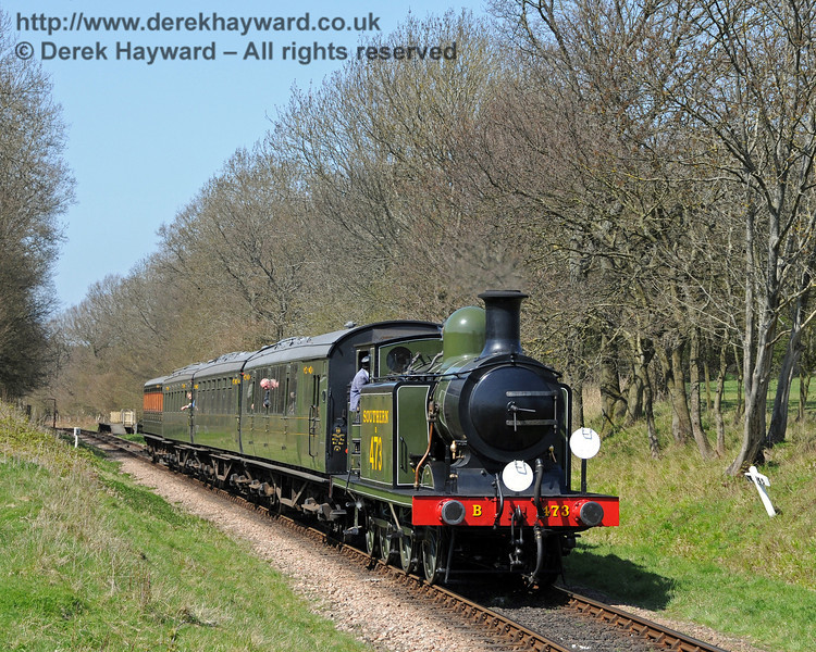 B473 steams south from Ketches Halt.  17.04.2010  1937
