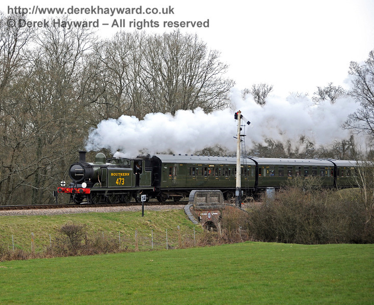 B473 crosses New Road Bridge with a southbound service.  12.03.2011  0263