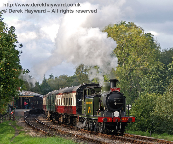 B473 leaves Kingscote with the Wealden Rambler.  25.09.2010  30027