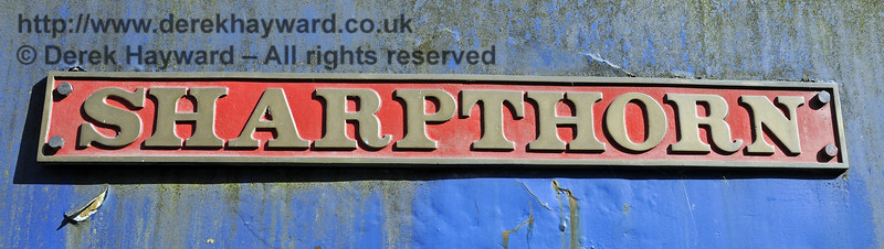 The name plate on Sharpthorn.  The spelling of the name is different to that now applied to the nearby village.  Horsted Keynes 23.08.2014  11588