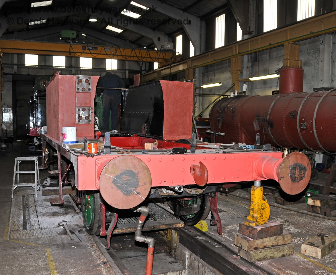 The frames from 178 have received additional work including painting. Locomotive crews were on site helping with this work to try to get it done in time. Sheffield Park Workshops 01.01.2010