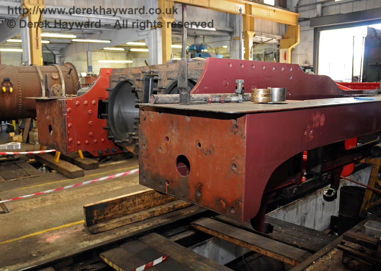 The cylinder block has now been refitted into the frames from 263. Sheffield Park Workshops 23.05.2010  2650