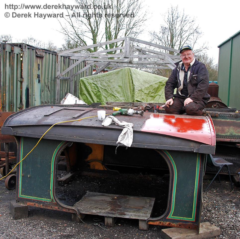 With the slightly improved weather a gentleman was able to start work on painting the cab roof from 263. Sheffield Park Workshops 24.01.2010