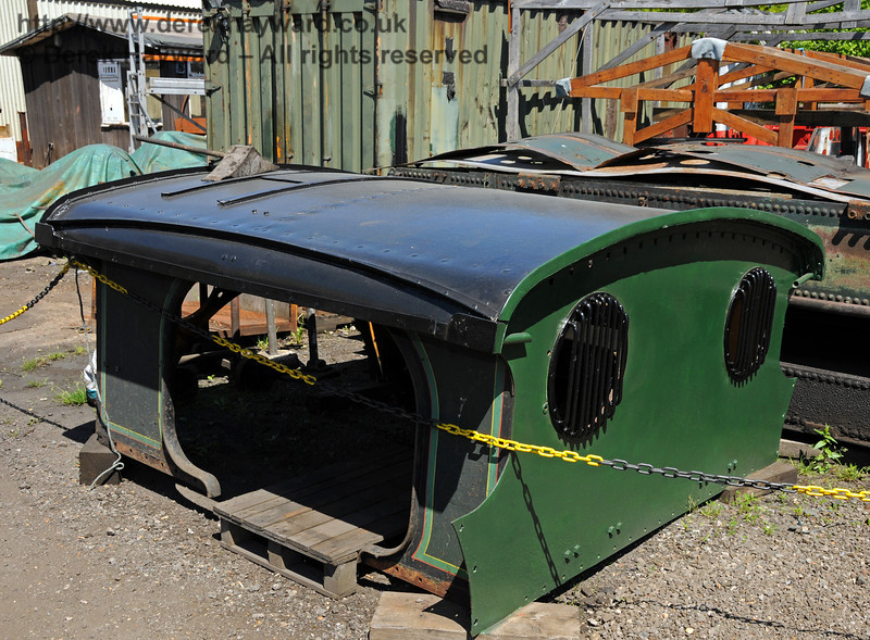 The cab roof from 263 is outside with painting well progressed. Sheffield Park Workshops 23.05.2010  2670