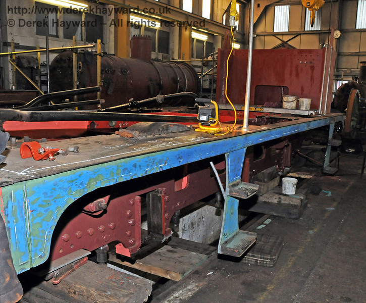 Rubbing down the frame has exposed some of the former blue paint. Sheffield Park Workshops 06.03.2010  1135
