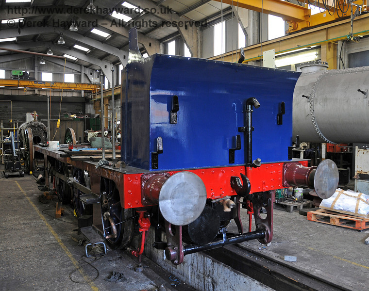 The bunker has now been painted in a slightly darker shade of Bluebell Blue. Sheffield Park Workshops 25.07.2010  3394