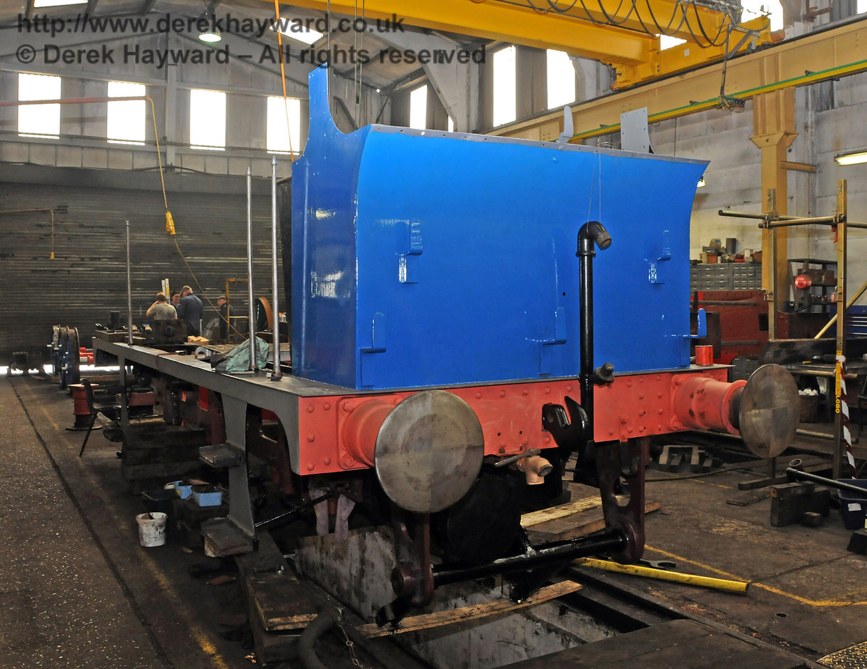 The rear nearside of 323, that has again changed colour. Sheffield Park Workshops 26.03.2010  1612