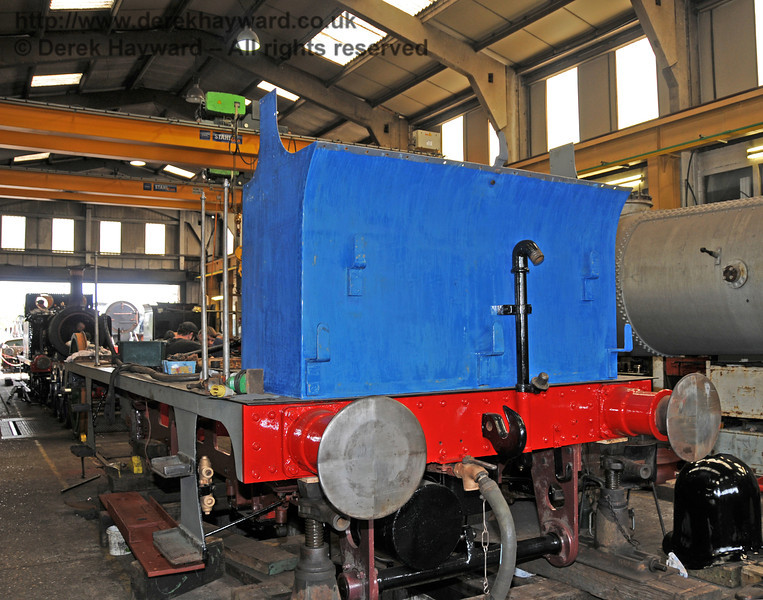 The rear of 323 Bluebell with a freshly painted buffer beam. Sheffield Park Workshops 28.04.2010  2096