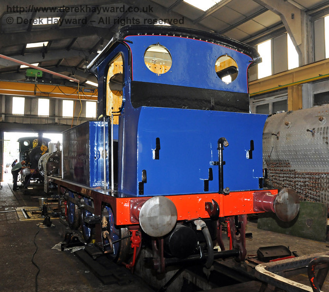 The rear nearside of freshly painted 323 Bluebell. 04.09.2010  4538