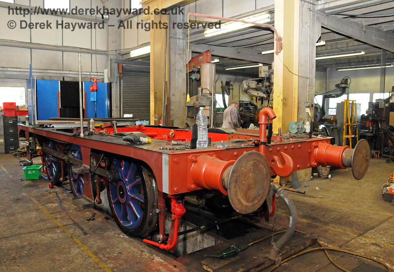 The frames from 323 Bluebell have been re-wheeled, and are seen here in Sheffield Park Workshops. 18.07.2010  3167